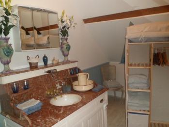 Salle de bain de la chambre Charlotte Corday