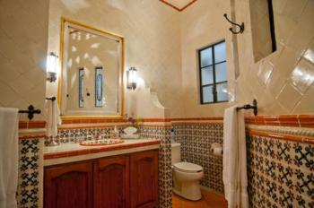 Guerrero Room Bathroom
