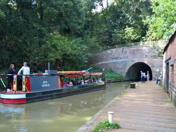 Boat trips to the nearby Blisworth Tunnel