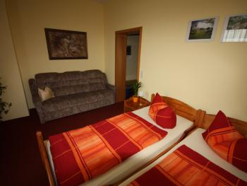 Doppelzimmer-Standard-Ensuite Dusche-Strassenblick - Doppelzimmer-Standard-Ensuite Dusche-Strassenblick