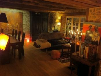 Espace de vie de 110 m2 avec Salon, Cheminée, espace cinéma
