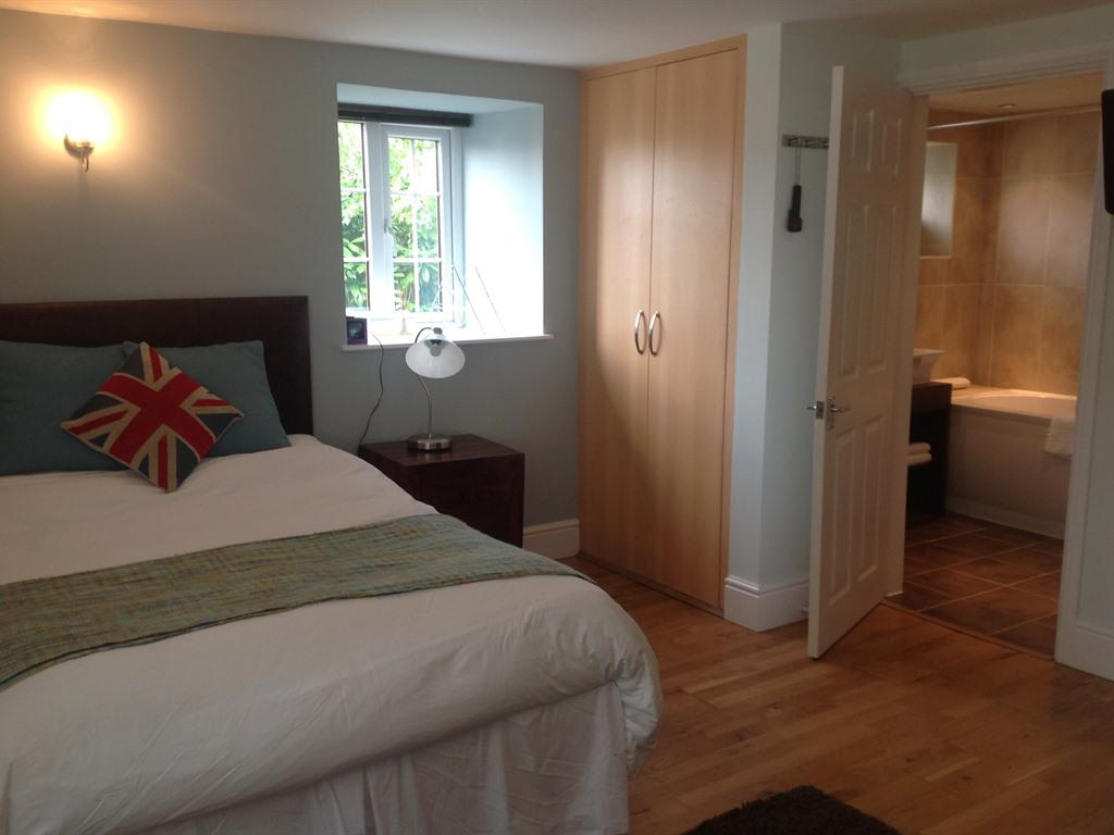 Studio-Ensuite with Bath-Room 6 - Base Rate