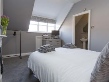 Double room-Ensuite-Garden View - Base Rate