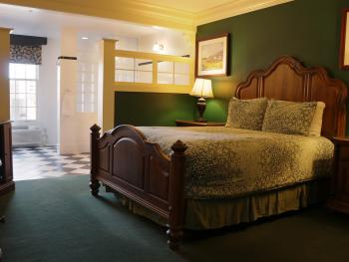 Queen Standard Room