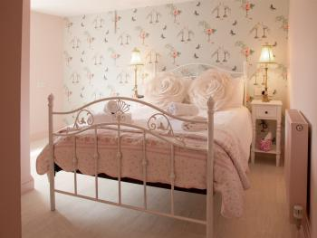 Double Ensuite - Avocet - Room Only