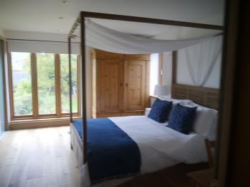 Room 1 - King-size En-suite