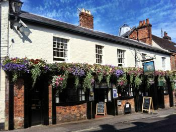 The Lamb Inn - The traditional facade