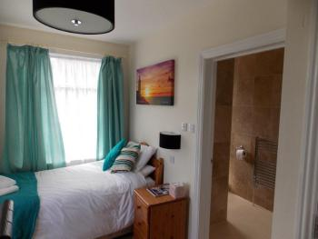 Single room-Ensuite with Shower-Countryview