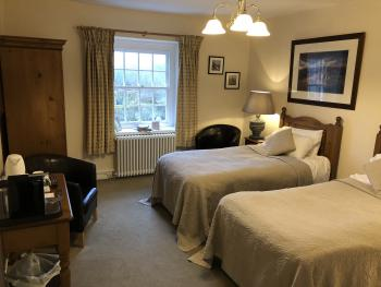 Twin room-Ensuite-Old Hall
