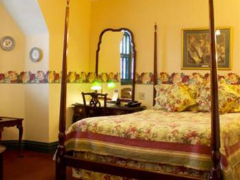 9 Wolfe Tone  Queen Room -Queen-Ensuite-Standard - The Fig & The Pheasant Rate