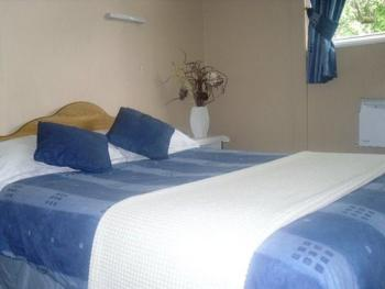 Double room-Ensuite-(Extra bed)