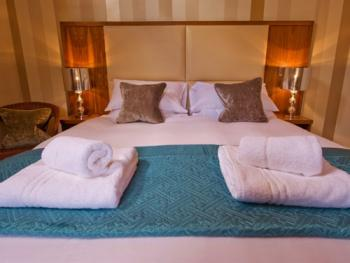Double room-Ensuite-(Pear)