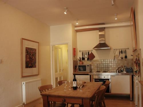 Sammys Place kitchen dinning room.