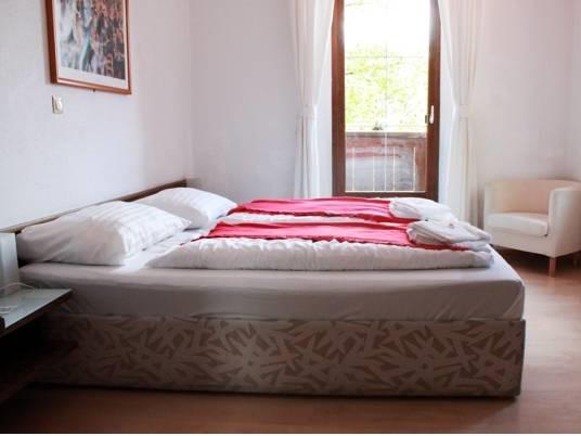 Premium Dreibettzimmer mit Balkon