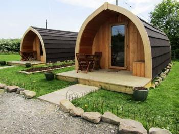 Bella Glamping Pod with Ensuite Toilet