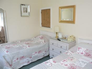 Twin room-Ensuite - Twin room-Ensuite