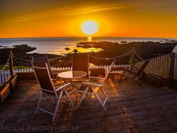 Watch the spectacular sunrises from the decking while you enjoy a morning coffee