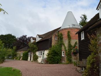 Cottage-Private Bathroom-Old Hop Kiln Cottage
