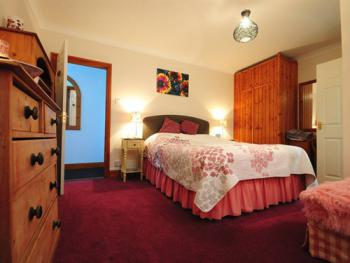 Redshank our double en suite room with king size bed and sea views