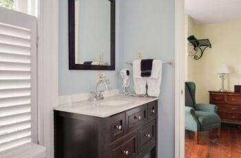 Plumeria Room Bathroom