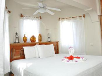 Triple room-Ensuite-Standard-Partial sea view-Night Jasmine