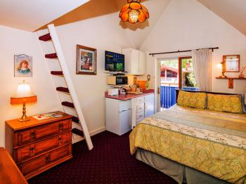 Triple room-Ensuite-Deluxe-Mountain View-Aspen Belle