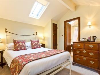 Rattleghyll room 2