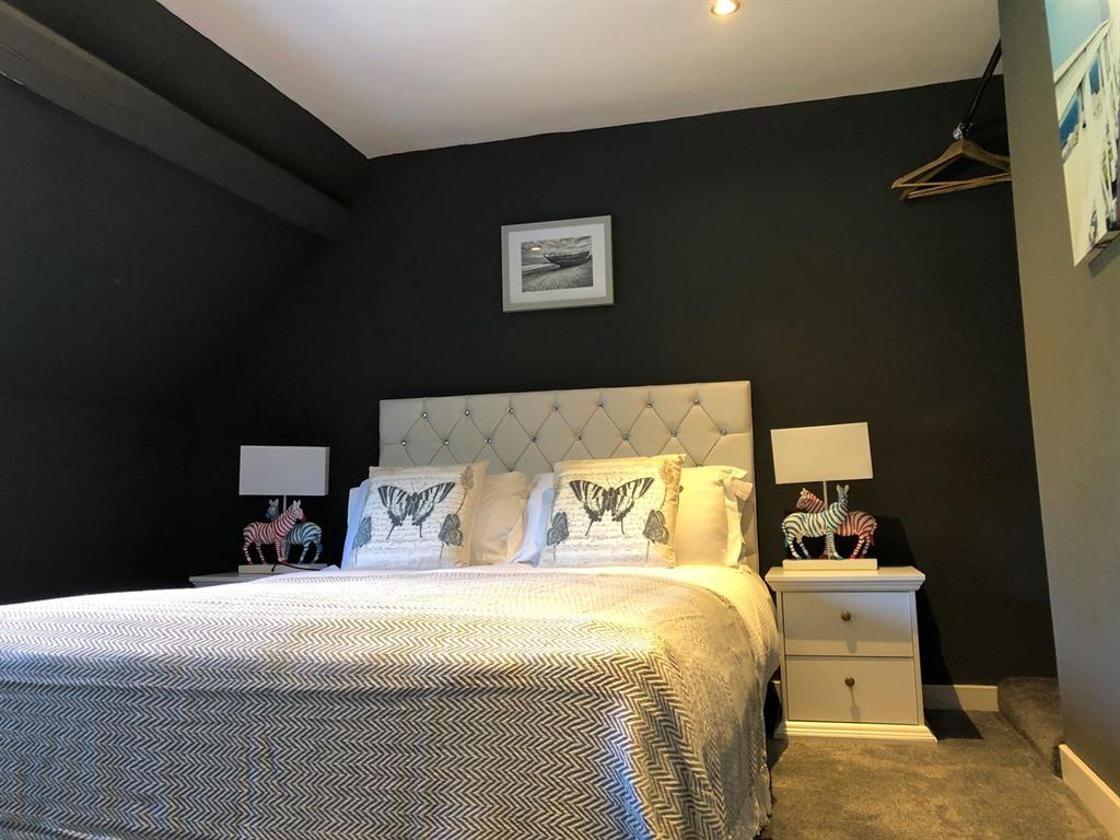 Old fleece apartments stroud united kingdom toproomscom