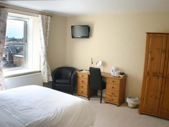 Large Double Luxury En-suite  Breakfast Included