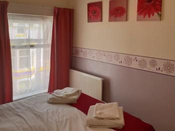 Double room-Ensuite with Shower-Street View-Room 10