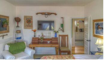 2-Bedroom Suite / Main Bedroom