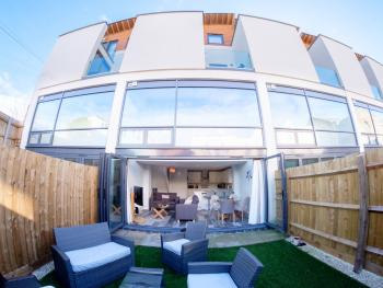 Winton Townhouse - Rear view of the garden leading into the open plan kitchen/living room/diner