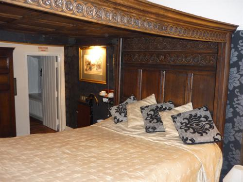 The Famous Room 2 where Charles Dickens stayed