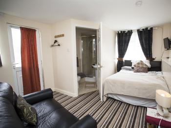 Double room-Ensuite-Room 4