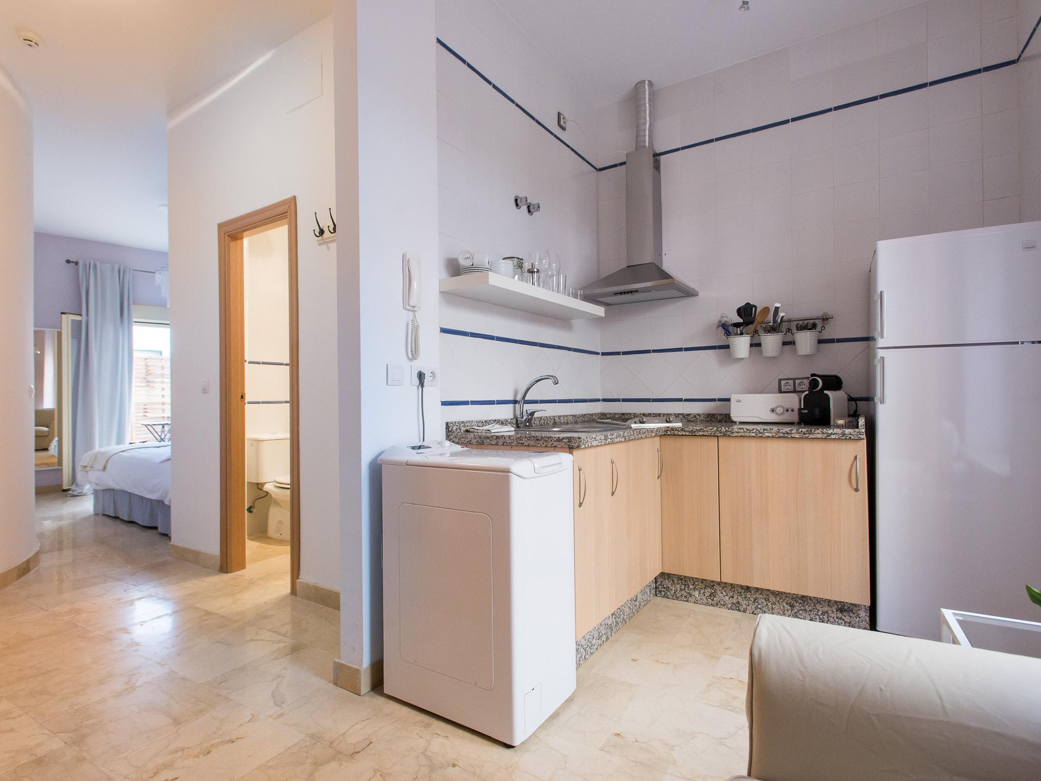 Apartamento-0A STUDIO CON PATIO 2 PAX-Estándar-Baño con ducha - Tarifa Base