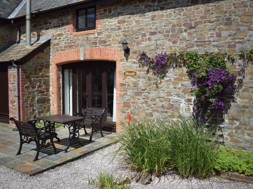 The Exterior of Clematis Cottage