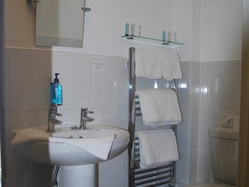 King-Superior-Ensuite with Shower - Base Rate