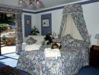 King-Luxury-Ensuite-Craftsmans Garden Room