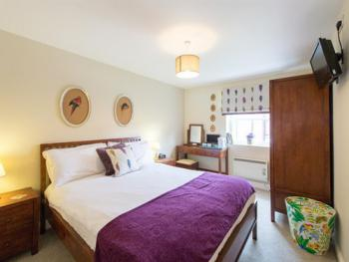 Double room-Ensuite with Shower-- Garden Room