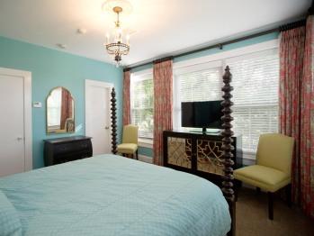 325 - Oak Tree Room-Queen-Panoramic-Ensuite-Park View