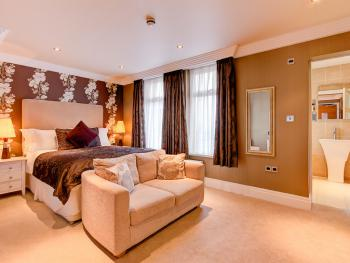 King Room (En-Suite)