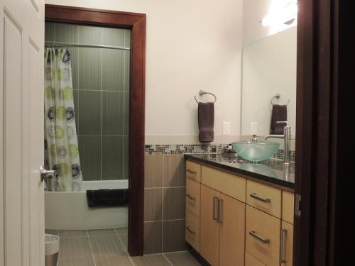 The Michigan - Bathroom