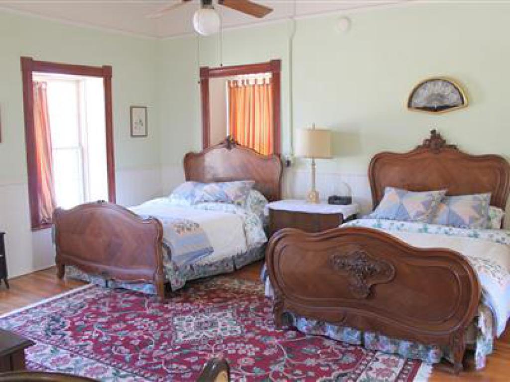 Suite-Ensuite-Standard-Room No. 11