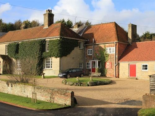 Manor Farm B&B, Collingbourne Kingston, Wiltshire