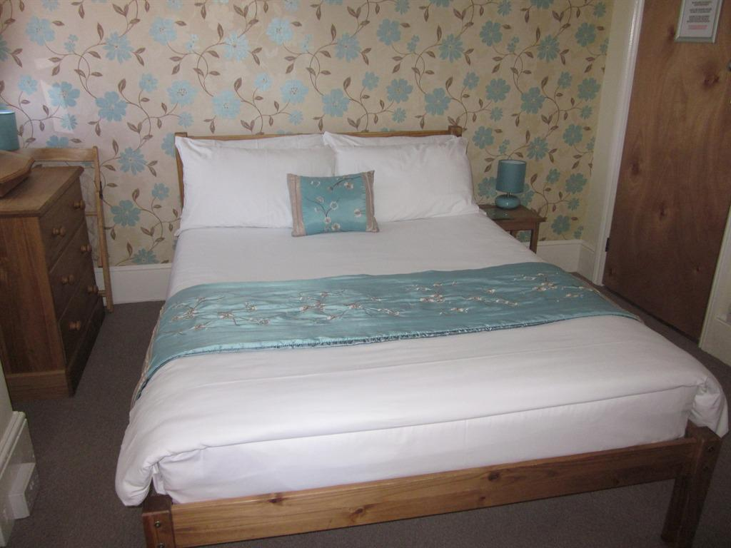 Double room-Ensuite with Bath-shower - Double room-Ensuite with Bath-shower
