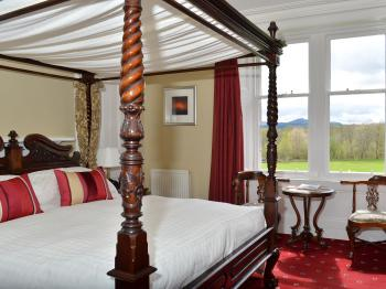 Double room-Ensuite-The Loch Etive- 4 Poster