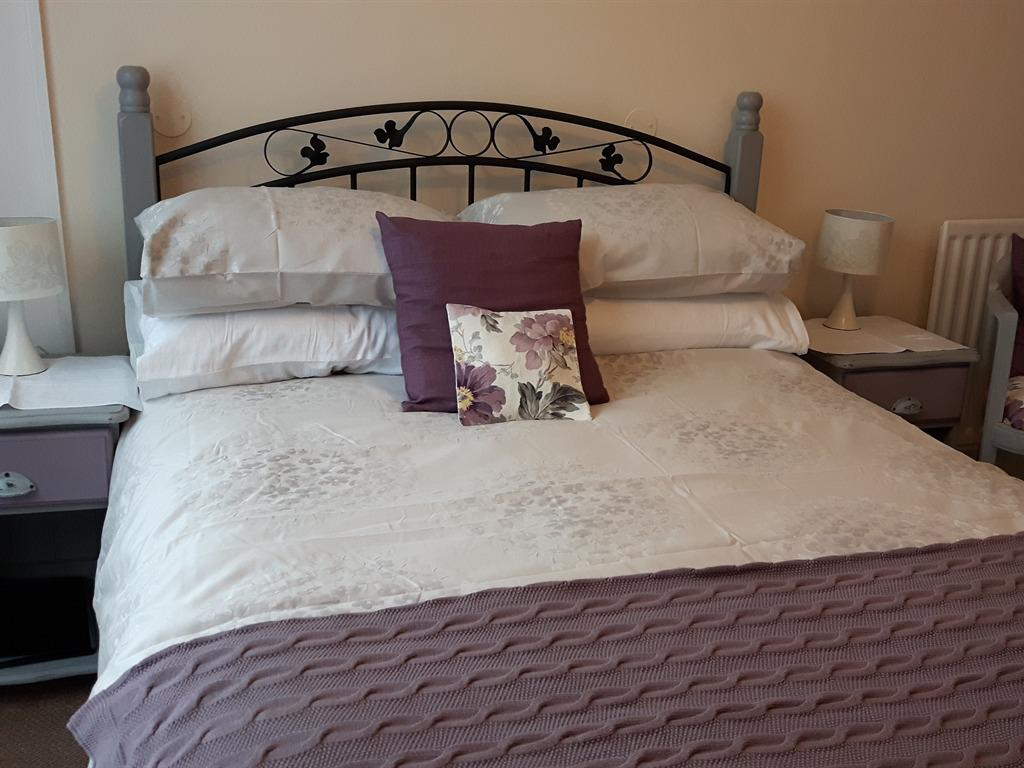 Double room-Ensuite- 1st/2nd floor - Room and breakfast included