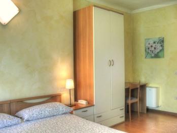 Tripla-Economica-Bagno in camera con doccia-Vista città