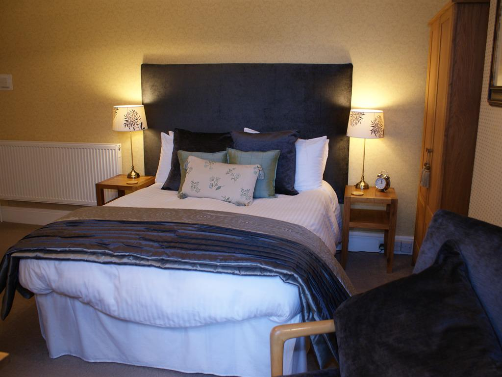 First Floor Classic Double Ensuite with Breakfast Included