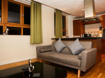 Two Bedroom-Apartment-Private Bathroom
